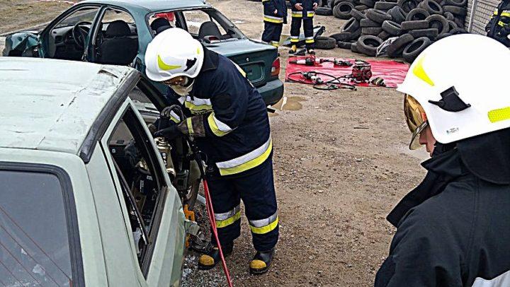Ćwiczenia z ratownictwa drogowego